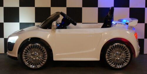 Speelgoedauto 12 volt wit met rc bediening