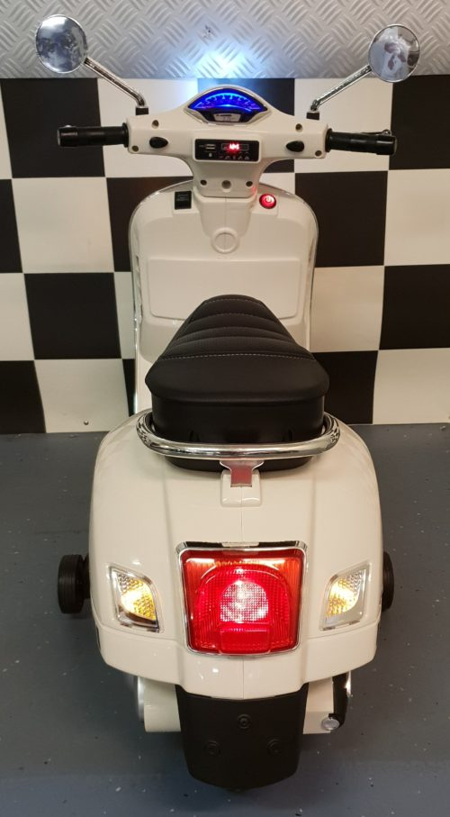 Accu speelgoed scooter vespa 12 volt wit