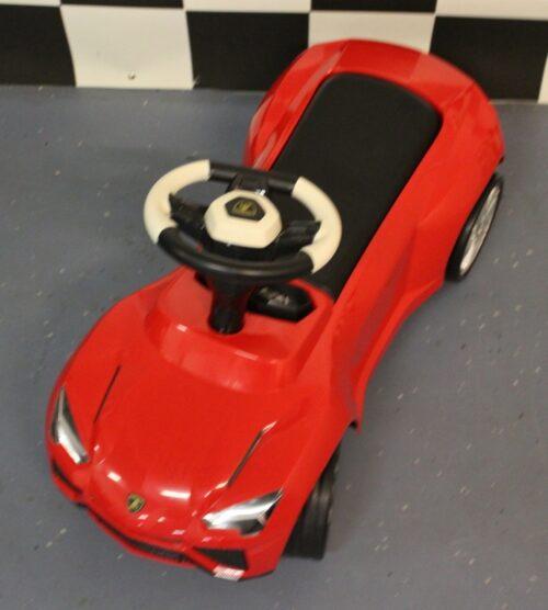 Urus Lamborghini loopauto rood