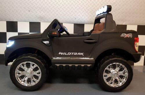 Mat zwarte Ford kinderauto 4WD 2x 12 volt accu
