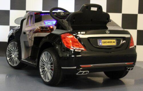 s600 elektrische kinderauto metallic zwart 12 volt