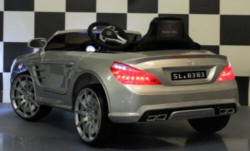 12 volt Mercedes SL63 kinderauto 2.4G RC bediening