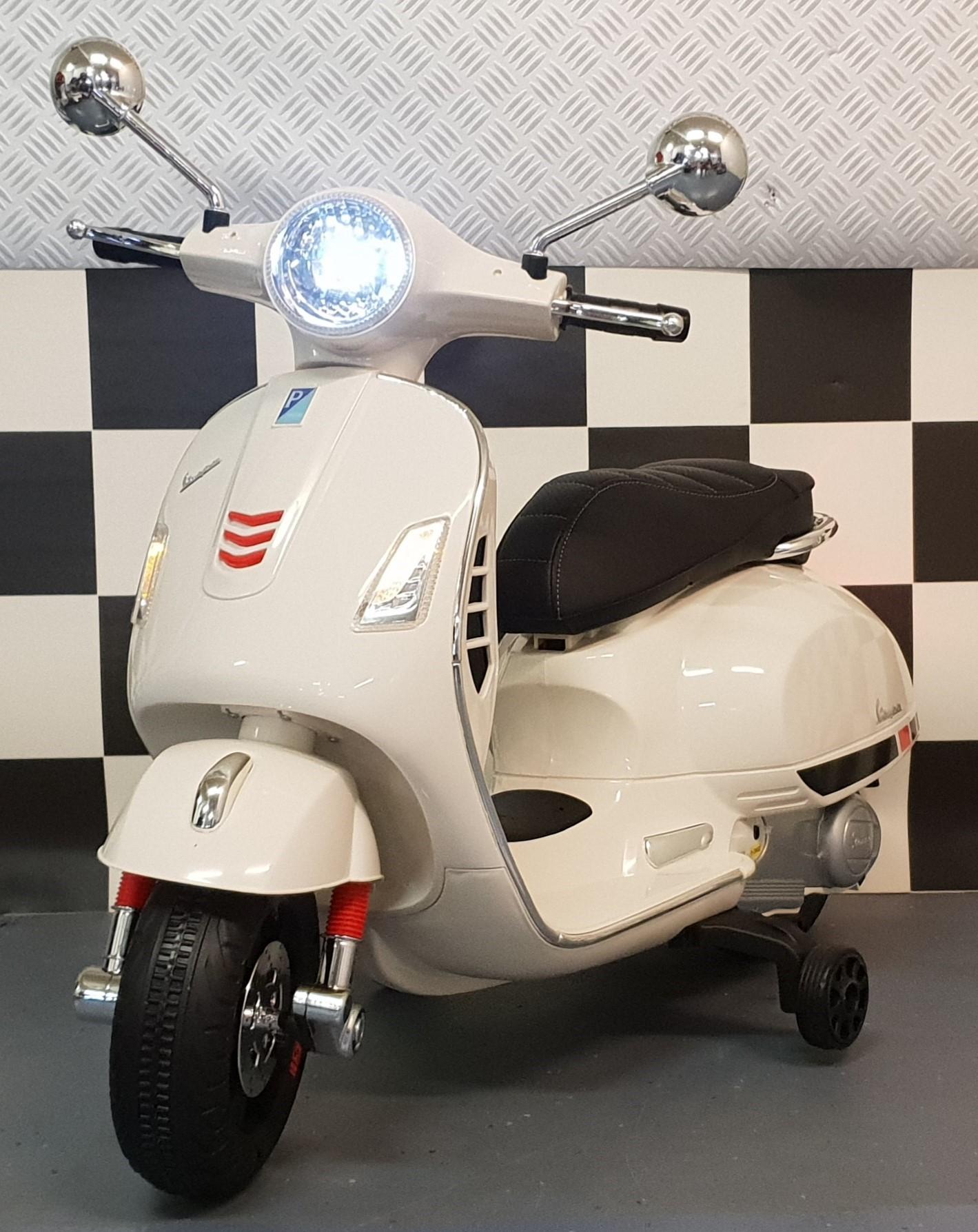 vespa kinder scooter 12 volt elektrische kinderscooter wit. Black Bedroom Furniture Sets. Home Design Ideas