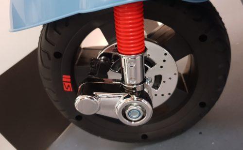 Blauwe Vespa accu scooter