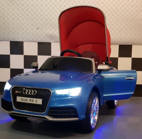 Elektrische Audi RS5 kinderauto met zonnedak